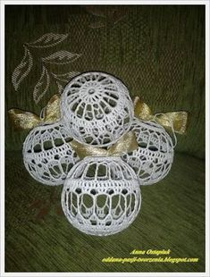 Christmas Crochet Patterns, Ball Ornaments, Christen, Christmas Balls, Crochet Projects, Crochet Earrings, Crafts, Teak, Advent