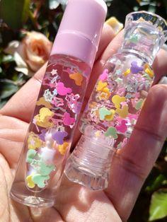 Lip Gloss Homemade, Flavored Lip Gloss, Diy Lip Gloss, Lip Gloss Tubes, Anime Lips, Beautiful Lips, Pen Case, Cute Makeup, Aesthetic Makeup