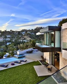 Luxurious Los Angeles Sunset Strip Mansion With Breathtaking Views