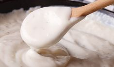 This dairy-free white sauce can be used as an all purpose sauce for vegetables, rice, pasta or tofu dishes. Sauce Béchamel, Butter Sauce, Dairy Free White Sauce, Salsa Bechamel Recetas, Molho Alfredo, Sauce For Vegetables, French Sauces, Brown Recipe, Clotted Cream