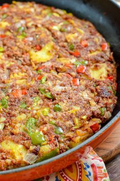 Low Syn Corned Beef Hash - an easy family friendly recipe perfect for breakfast, lunch or dinner. Slimming World and Weight Watchers friendly Slimming World Beef, Slimming World Dinners, Slimming World Recipes Syn Free, Slimming Eats, Slimming World Breakfast Ideas Quick, Slimming World Minced Beef Recipes, Slimming World Lunch Ideas, Healthy Soup Recipes, Brunch Recipes