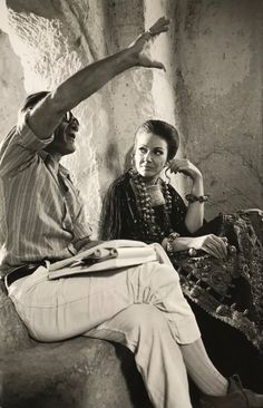 Maria Callas e Pier Paolo Pasolini sul Set del film Medea 1969 Maria Callas, Pier Paolo Pasolini, Opera Singers, On Set, Yorkie, Tv Series, Singing, Cinema, Photos