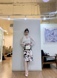 라디안 🎨 (@radian_iu) | Twitter Luna Fashion, Daily Fashion, Chic Outfits, Fashion Outfits, Womens Fashion, Girl Celebrities, Office Looks, Outfit Goals, Daily Look