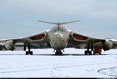 Aviation Photo Handley Page Victor - UK - Air Force Military Jets, Military Aircraft, Fighter Aircraft, Fighter Jets, Aircraft Parts, Handley Page Victor, Image Avion, V Force, Transporter