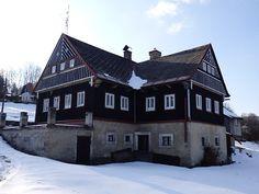 Zemědělská usedlost 200 m² k prodeji Pěnčín - Huť, okres Jablonec nad Nisou; 2600000 Kč, garáž, patrový, smíšená stavba, v dobrém stavu.