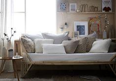 La simplicité, le nouveau bien-être à la maison ? Au quotidien on profite des petits plaisirs simples et en déco c'est pareil ! On compose avec des matières simples et texturées, des couleurs douces et naturelles… Le résultat : une maison calme et claire dans laquelle on se sent bien tout simplement.