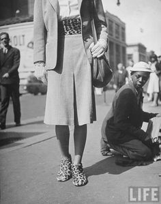 Matching Shoes Young African American shoeshine youngster expressively responding to model walking by wearing matching leopard cumberbund and shoes, Location: New York, NY, US Date taken: August 1946 Photographer: Nina Leen Womens Fashion Casual Summer, Office Fashion Women, College Fashion, Womens Fashion For Work, 1950s Fashion Photography, Vintage Photography, White Photography, Street Photography, Fotografia Social