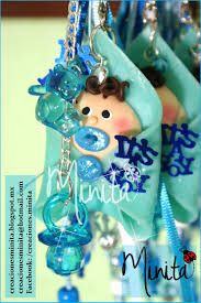 Resultado de imagen para plumas decoradas para baby shower pasta francesa