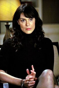 Michelle Forbes Legs