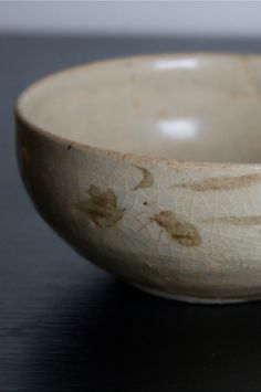 100 years old Vietnamese bowl I acquired during a trip to Vietnam. http://www.japan-suite.com/