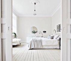 White on white on white. ☁️☁️☁️ Soooo dreamy via @bjurfors_goteborg ✔️ #happyfriday