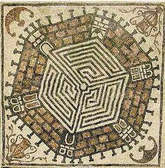 El laberinto hexagonal del palacio Felix Romuliana en Gamzigrad, Serbia. | Matemolivares
