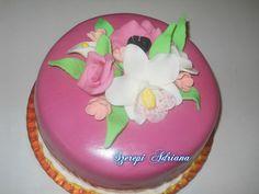 tort roz cu flori