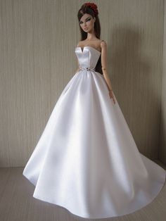Sewing Barbie Clothes, Barbie Sewing Patterns, Barbie Dolls Diy, Vintage Barbie Dolls, Dolls Dolls, Girl Dolls, Dress Patterns, Doll Clothes, Barbie Bridal