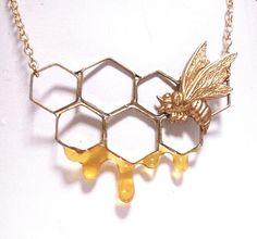 ハンドメイドマーケット minne(ミンネ)| ハチノスネックレス #necklace