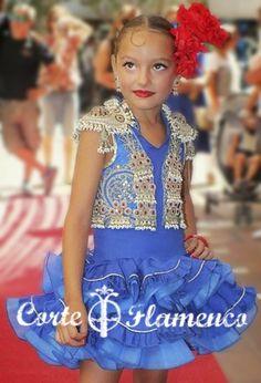 #Trajedelunes #vestidodeflamencainfantil #flamenca #trajedesevillana #vestidodegitana #corteflamenco