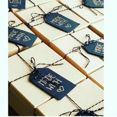 Craft Paper Wrapping Cookie Packaging Ideas For 2019 Dessert Packaging, Bakery Packaging, Cookie Packaging, Pretty Packaging, Gift Packaging, Packaging Design, Packaging Ideas, Cookie Gifts, Holiday Cookies
