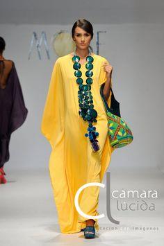 Caftan on the runway Punk Fashion, Boho Fashion, Womens Fashion, Fashion Design, Fashion Trends, Lolita Fashion, Dress Outfits, Fashion Dresses, Emo Outfits