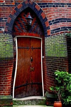 door in london, an engineering feat! by Ainic
