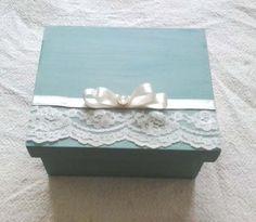 Caixa em Mdf para Casamento,batizado,nascimento,festa de debutante.  Faço em outras cores.  Medida:16x13x8 cm de altura.