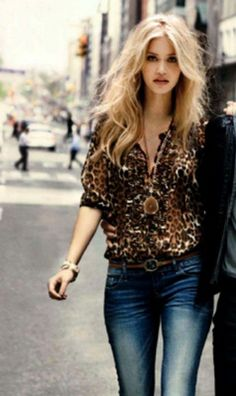 Leopard + Jeans - Click image to find more Women's Fashion Pinterest pins
