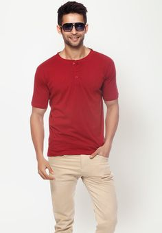 Short Sleeves Solid Maroon Henley T Shirt  Price : Rs.399