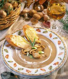 Lajos Mari konyhája - Gombakrémleves sajtos pirítóssal Chicken, Meat, Food, Eten, Meals, Cubs, Kai, Diet