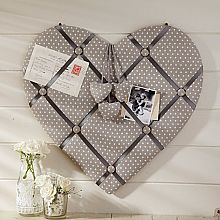 Shabby chic accessories are a stylish way to add finishing touches to any home. Take a look at the hanging mirrors, jewellery boxes, bookends and much more. Sewing Crafts, Sewing Projects, Shabby Chic Accessories, Heart Cushion, Fabric Board, Memo Boards, Pin Boards, Photo Boards, Fabric Hearts