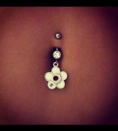 Flower belly piercing :)
