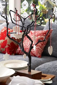 This festive centre piece is a modern spin on the old Christmas tree.#Christmas