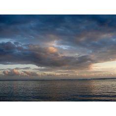 #974#iledelareunion#gotoreunion#reunionisland#team974#lagon#lagoon#indianocean#oceanindien#sea#instanature#naturelovers#like4like#likeforlike#loveit#love#holiday#holidays#vacances#bestoftheday#happy#coucherdesoleil#sunset#sky#clouds#cloud#waves by stephvln