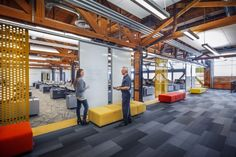Eppstein Uhen Architects renovated a Allis Chalmers manufacturing plant in West Allis, Wisconsin into a new office space for Johnson Controls. Commercial Interior Design, Office Interior Design, Commercial Interiors, Interior Design Inspiration, Office Designs, Corporate Interiors, Office Interiors, Open Space Office, Contemporary Office