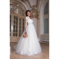 A beautiful wedding dress, classic and traditional. http://talis.ro/short-sleeved-wedding-dress/