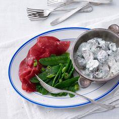 Bresaola mit Zuckerschoten und Champignons