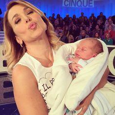 #BarbaraDUrso Barbara D'Urso: Guardate la meraviglia di questo bimbo ❤️❤️ E la sua mamma non sapeva di essere incinta!! #pomeriggio5 #incredibile #storie #vita #italia #love #stupendo #pictoftheday