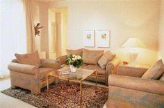 La casa de la selección  Una de las habitaciones en la que se descansarán Riquelme y compañía . Couch, Furniture, Home Decor, Home, The Selection, Germany, Couches, Homemade Home Decor, Sofa