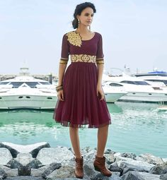DESIGNER KURTI PATTERNED STYLISH FLORAL EMBROIDERED TRENDY OUTFITS DESIGNER GEORGETTE KURTI WITH STONEWORK TO WEAR AT THE PARTIES