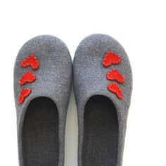 Women house shoes grey with red hearts - felted wool slippers - Valentines day gift on Etsy, $82.00