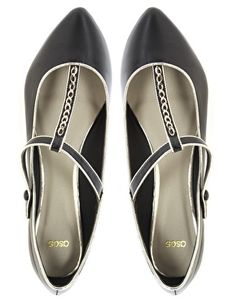 LOS ANGELES Point Ballet Flats With Chain Detail