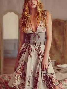 This type of waist in a dress makes my knees go weak! :) I want to get my mom to make one for me.