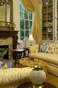 Below are the Yellow Traditional Living Room Ideas. This post about Yellow Traditional Living Room Ideas was posted under the Living Room category by our team at May 2019 at am. Hope you enjoy it and don't forget . My Living Room, Home And Living, Living Room Decor, Living Spaces, Cozy Living, Cottage Living, Country Living, Beautiful Living Rooms, Beautiful Interiors