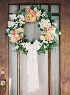 15 Sweet Wedding Wreath Ideas - Upcycled Treasures