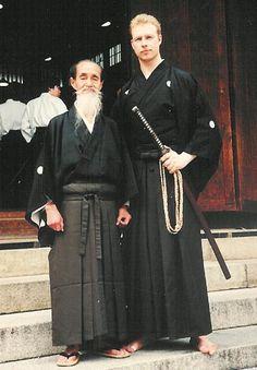 Såzen Sensei with Yoshio Sugino Sensei at a demonstration