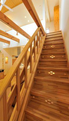 600棟以上の家を営繕 Stairs, Home Decor, Stairway, Decoration Home, Room Decor, Staircases, Home Interior Design, Ladders, Home Decoration