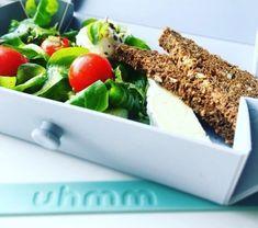 Uhmm is de ideale lunch box die je uitvouwt tot een bord. Plastic Cutting Board, Lunch Box