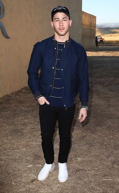 """<p>While appearing on the cover of <a href=""""http://www.mensfitness.com/life/entertainment/nick-jonas-mens-fitness-feature-workout-ripped-december-2016"""" target=""""_blank""""><em>Men's Fitness</em></a>, <strong>Nick Jonas</strong> may have madesome readers feel a bit jealous.</p>"""