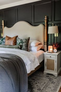 5 simple items to use in the bedroom to make it feel cozy for fall + smart choices to stretch decor into other seasons. Green Master Bedroom, Fall Bedroom, Traditional Bedroom, Modern Traditional, Affordable Home Decor, Unique Home Decor, Eclectic Bookcases, Bookshelves, The Ranch