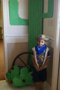 broken link, but I love the look of the cactus for the western theme classroom!