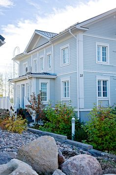 The most beautiful houses Nordic Home, Scandinavian Home, Outside Paint Colors, Home Focus, Swedish Cottage, Grey Home Decor, American Houses, Home Fashion, My Dream Home