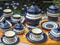 Polish pottery from Boleslawiec: bakers, table service, kitchenware, and accent pieces available in both traditional and Unikat patterns.